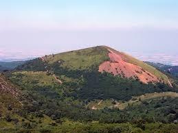 Quel est le plus grand cratère de la chaîne des Puys ?