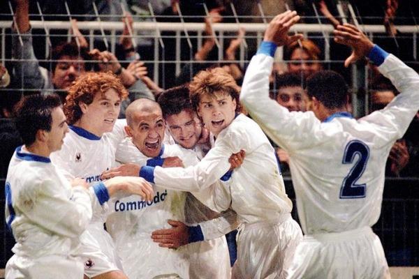 3 mars 1993, Quarts de finale aller de la Coupe UEFA, sur quel score les auxerrois battent-ils l' Ajax ?