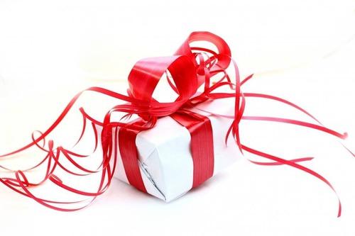 Chez Guillaume, qui s'occupe de l'envoi des cadeaux ?
