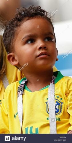 Qui est ce joueur de foot enfant ?