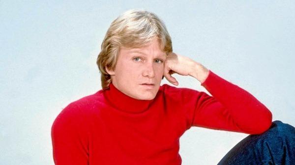 Le chanteur Claude François est décédé dans les années 80.