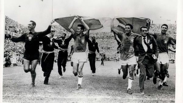 En quelle année le Brésil remporte-t-il sa première Coupe du Monde ?