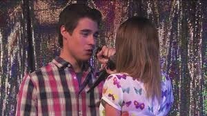 Od koho dostala vio prvu pusu ??