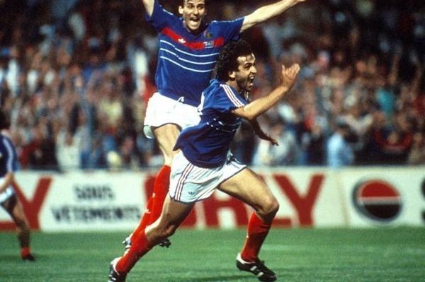 Lors du Championnat d'Europe des Nations de 1984, combien de buts a-t-il inscrit en 5 matchs ?