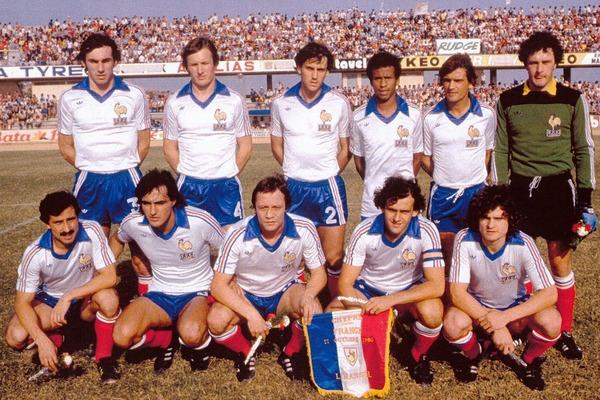 L'équipe de France ne participe pas à l'Euro 80 car elle termine seconde de son groupe éliminatoire derrière .......