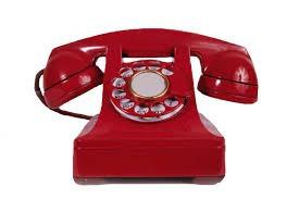 De quelle couleur est ce telephone rouge ?