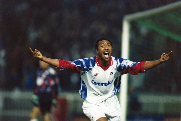 En 1993, après une défaite 3-1 au match aller, sur quel score le PSG renverse-t-il le Real Madrid en Coupe UEFA ?