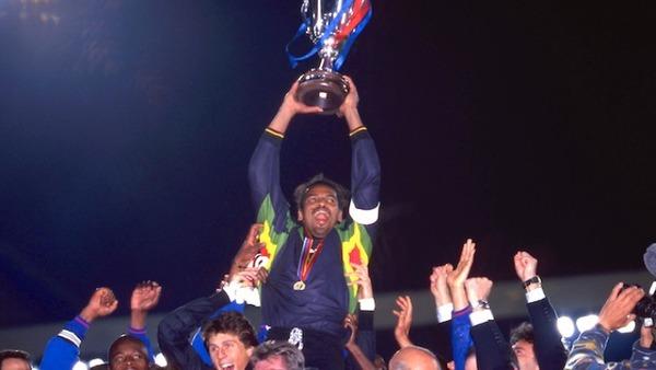 C'est fini ! Le Paris Saint-Germain devient le premier club français à remporter une coupe européenne.