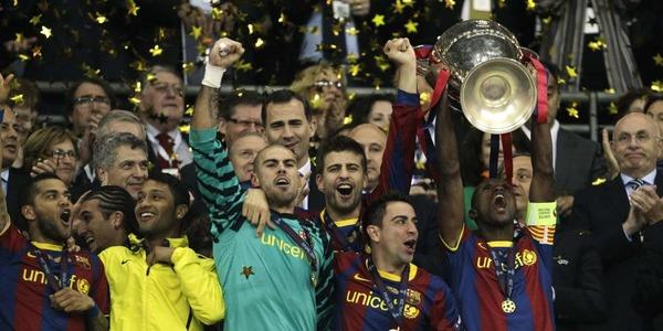 Qui perd la finale de 2011 contre le FC Barelone ?