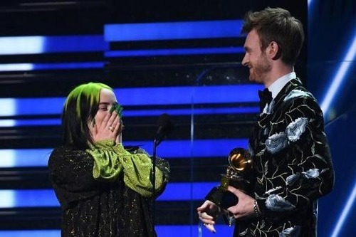Pour quel single l'artiste reçut un grammy award de la chanson de l'année ?
