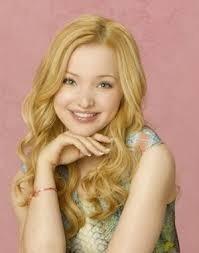 Comment s'appelle cette actrice qui joue dans Liv et Maddie ?