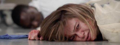 Dans quel épisode Meredith se fait-elle agresser par un patient ?