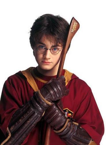 Qual era o modelo da primeira vassoura de Harry ?
