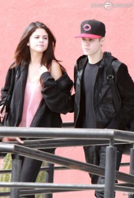 Quel jour Justin et Selena sont-ils arrivés à l'aéroport de Mexico ?