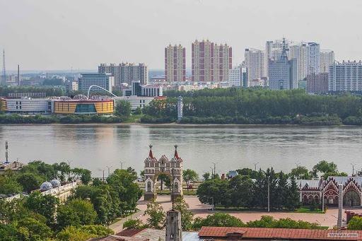Quel fleuve par la ville de Blagoveschtechensk ?