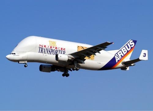 Jaki jest największy dwusilnikowy samolot pasażerski ?