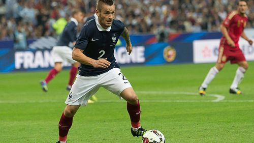 Dans quel club joue Mathieu Debuchy ?