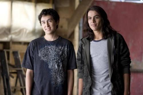 Dans tentation, qui sont les 2 meilleurs amis de Jacob avant leur transformation ?