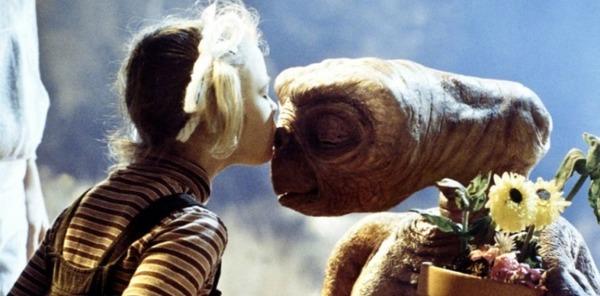 """Quelle est la réplique culte du film """"E.T"""" ?"""