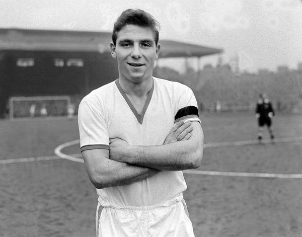 Tragiquement disparu dans un crash aérien qui avait décimé l'équipe de Manchester United en 58, qui était ce joueur très prometteur ?