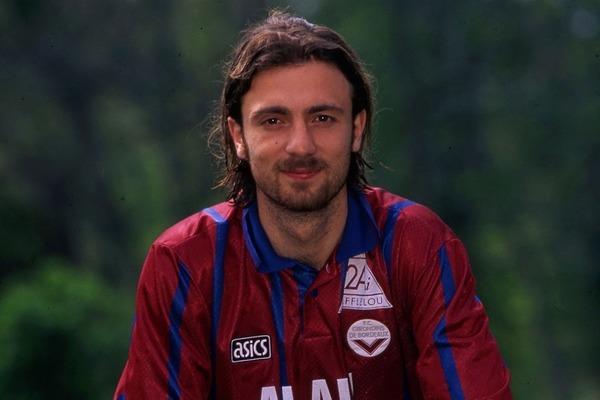 Les Girondins de Bordeaux est le seul club français de la carrière de Christophe Dugarry.   .