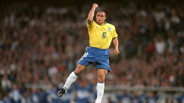 Quel était le poste de prédilection de Roberto Carlos ?