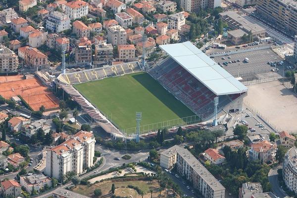 Quel est le nom officiel du Stade du Ray ?