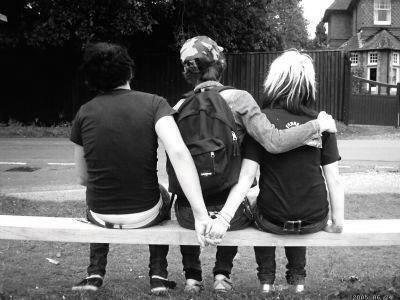 « Mieux vaut être seul que… »