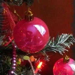 Avant la création des boules de Noël, avec quoi décorait-on le sapin ?
