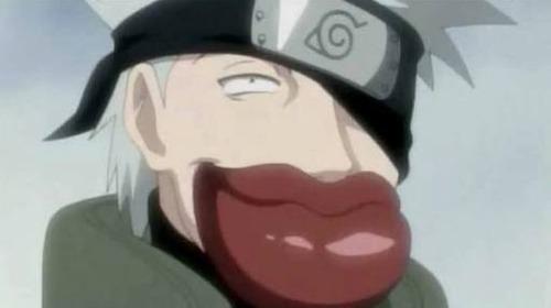 Com quem foi o primeiro beijo de Naruto ? ( Hehehehheheeh )