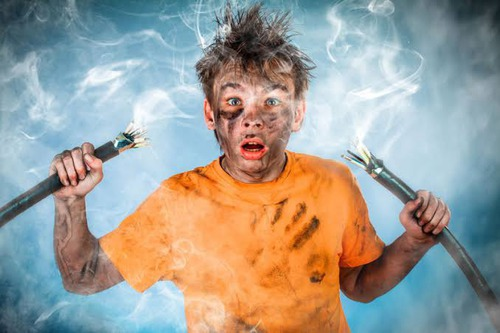 Quando uma corrente elétrica passa pelo corpo humano, podem-se sentir alguns efeitos. Marque a alternativa incorreta :
