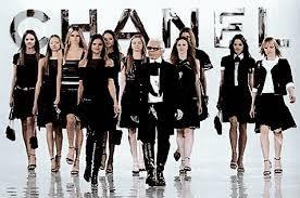 Comment appelle-t-on les femmes qui défilent pour les grands couturiers ?
