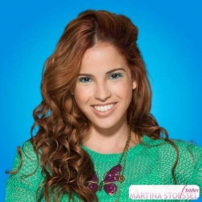 Qui joue-t-elle dans la série Violetta ?
