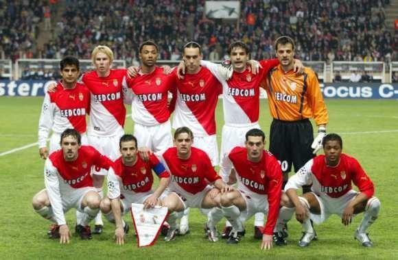 En 2004, quelle équipe l'ASM a-t-elle fait tomber en quarts de finale de Champions League ?