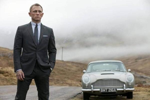 James Bond, le plus célèbre des agents secrets répondant au nom de code 007, travaille pour l'agence britannique…