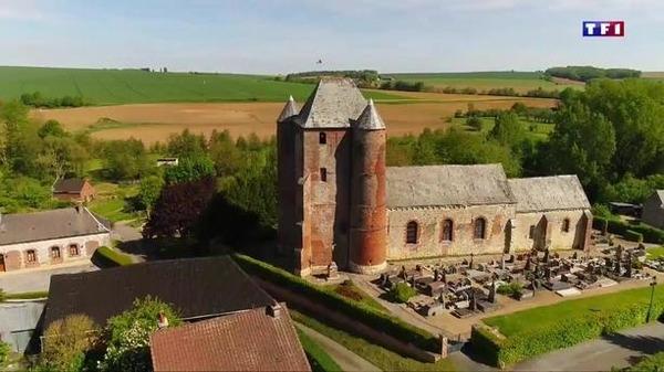 Quelle est la particularité des églises de Thiérache ?