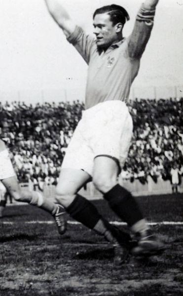 Ce joueur du FC Rouen a inscrit 2 buts lors du Mondial 1938, il s'agit de ?