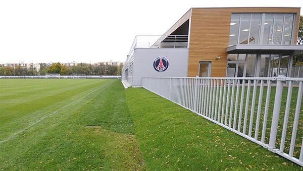 Terrain d'entraînement mythique du PSG, il s'agit du .....
