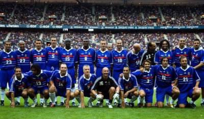 Qui occupait le rôle de sélectionneur en 1998 pour les Bleus ?