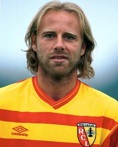 Le RC Lens est le seul club pro de la carrière de Jean-Guy Wallemme.