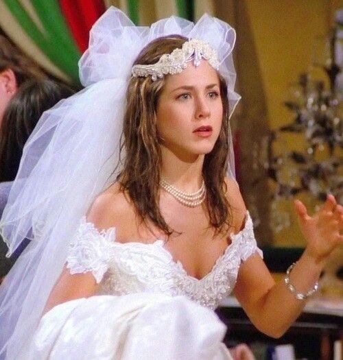 Dans le premier épisode, Rachel s'est sauvée de son mariage avec .....