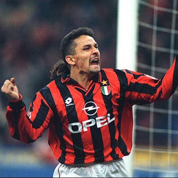 En 1995, il quitte la Juventus pour le Milan AC où il restera ....