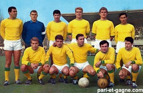En 1965, le FC Nantes remporte son premier championnat de France en terminant à 2 points devant ......