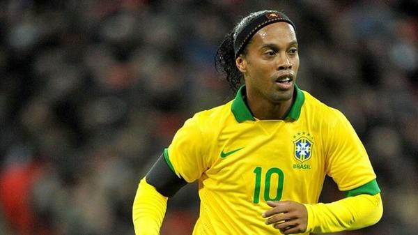 Quel a été le premier club pro de Ronaldinho ?