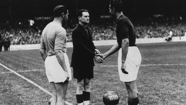En 1938, où a eu lieu la finale entre l' Italie et la Hongrie ?