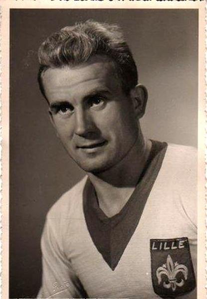 Sélectionné pour participer à la Coupe du monde 1954 il s'agit de ?