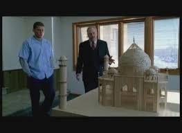 Que construit Michael pour le directeur de la prison ?