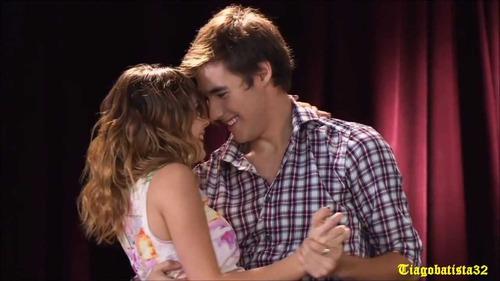 Na koju pjesmu su se Violetta i Leon poljubili u 2. sezoni ?