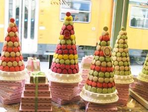 Quelle est la maison de pâtisserie française fondée à Paris en 1862, réputée mondialement grâce à ses macarons ?