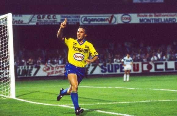 Dans les années 80 il a inscrit 80 buts sous les couleurs sochaliennes, c'est ?